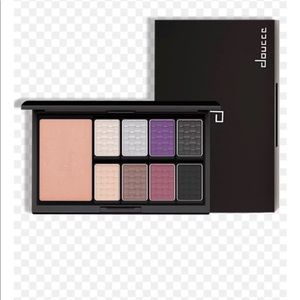 Doucce Eye Shadow Pallet NEW